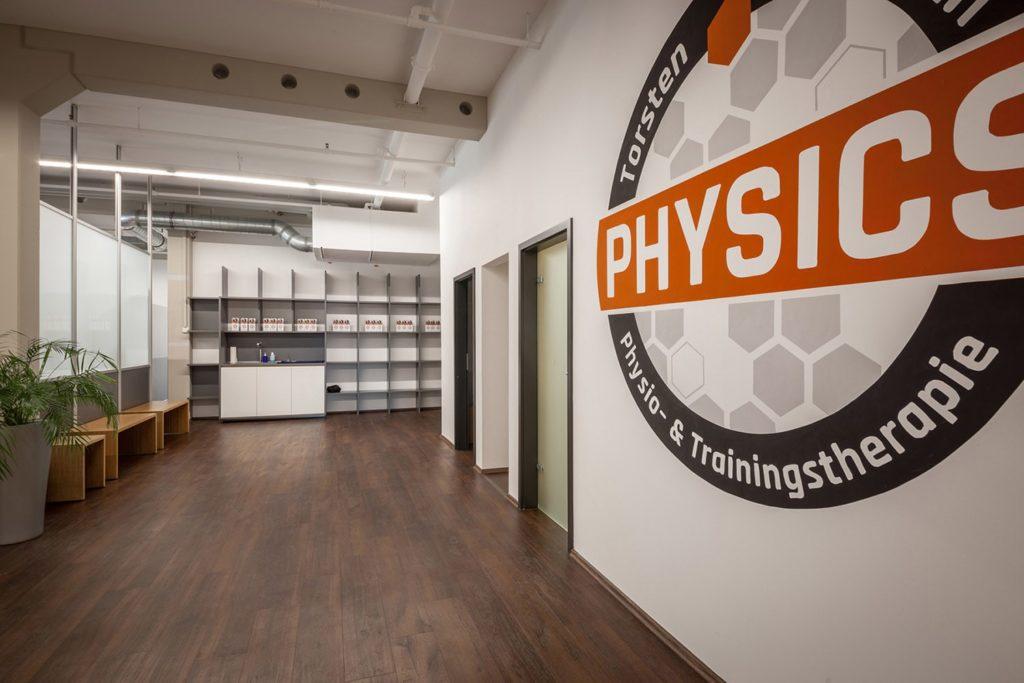 PHYSICS Eingangsbereich mit Blick auf Eingang